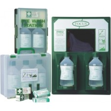 E8021 Double Eye Wash Station With Mirror And 2 500ml Bottles